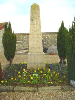 Fichier:Andelu-monument-aux-morts photo-Curtil CCBYNCSA.jpg